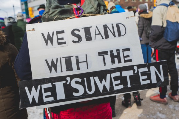 stand with wetsuweten