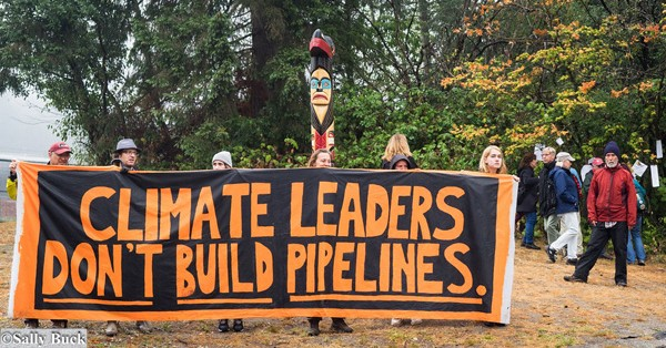 March to Stop Trans Mountain Oil Pipeline, Photo credit: Sally T. Buck @Flickr CC BY-NC-ND 2.0